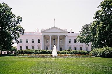 ホワイトハウス ホワイトハウス 大統領が住居として利用している建物。毎日無料で見学ツア...